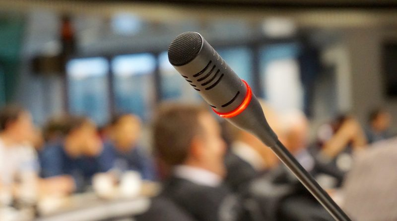 Antrag: Sitzungen live übertragen